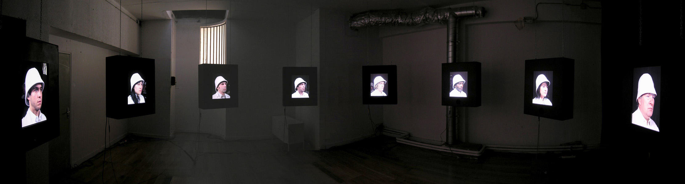 http://julienpelletier.fr/files/gimgs/4_alter-mundi-installation.jpg